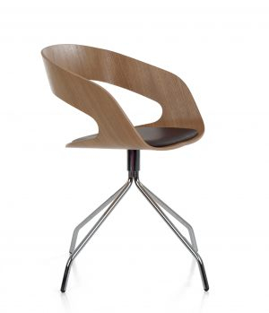PLYCOLLECTION_Chat-swivel_09_-oak-uph-seat
