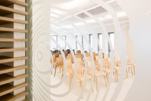 Flow-chairs-in-decospans-treehouse2